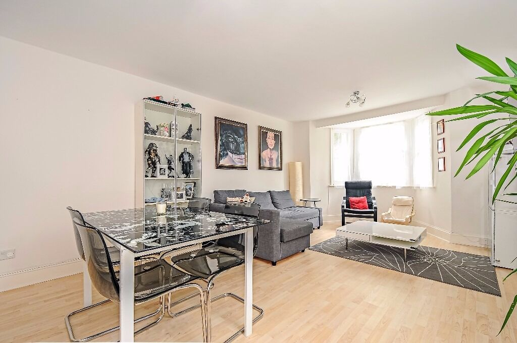 *** Stunning newly refurbished three double bedroom garden flat, Mount View Road, N4 ***