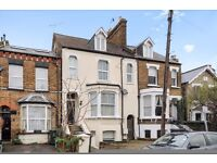 A two double bedroom first floor conversion flat in North Kingston. Richmond Park Road.