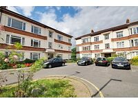LOVELY 3 BED SPACIOUS FLAT - MANOR VALE , TW8 - VERY CLOSE TO TRAIN STATION - ONLY £1625
