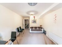 NICE 1 BEDROOM FLAT TO RENT IN STRATFORD - PART DSS - £1100