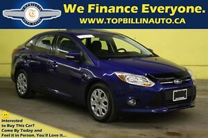 2012 Ford Focus SE with SUNROOF, Low Kilometers