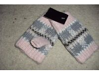 NEW WITH TAGS PAIR OF LADIES FINGERLESS GLOVES IN PINK/GREY
