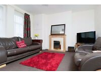 Bright and homely 2 bedroom main door flat in Lochend available April – NO FEES!