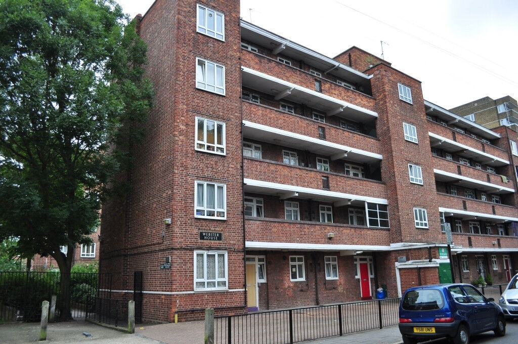 Amazing Double Room With Private Balcony - Priced At £836 INC ALL BILLS - King Henry Street N16