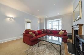 2 bedroom flat in Gloucester Terrace, Bayswater