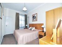 2 bedroom flat in Allen Street, High Street Kensington, London W8