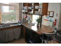 PERFECT FOR POST GRADS/MATURE STUDENTS-SPACIOUS HOUSE CLOSE TO UNI CAMPUS & GOODWIN SPORTS CENTRE