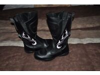 ladies motorcycle boots.