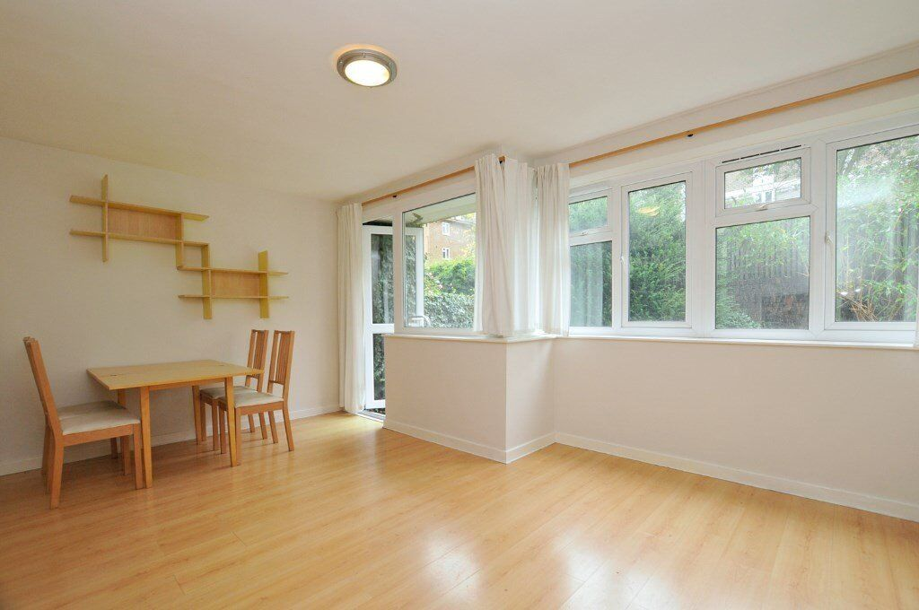 Howard road, 3 bed flat, with garden