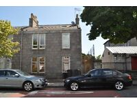 Double upper 3 bed/2 bath HMO furnished flat close to ARI