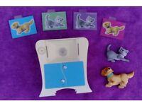 Barbie Vet's X-ray Machine / Table with Dog, Cat and X-ray plates.