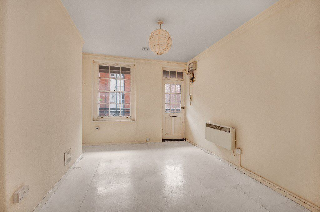 ***LOVELY ONE BEDROOM FLAT IN THE HEART OF COVENT GARDEN WC2***GATED DEVELOPMENT***