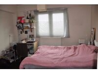 BETHNAL GREEN, E2, COMFY 3 BEDROOM APARTMENT AVAILABLE NOW!!