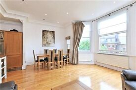 2 bedroom flat in Greencroft Gardens, West Hampstead