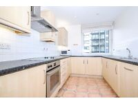 Boardwalk Place - A wonderful two double bedroom spacious apartment with balcony and concierge