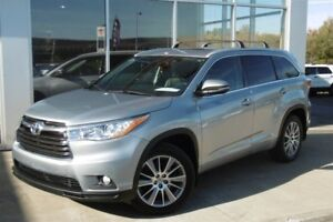 2014 Toyota Highlander XLE AWD **CONDITION IMPECCABLE**