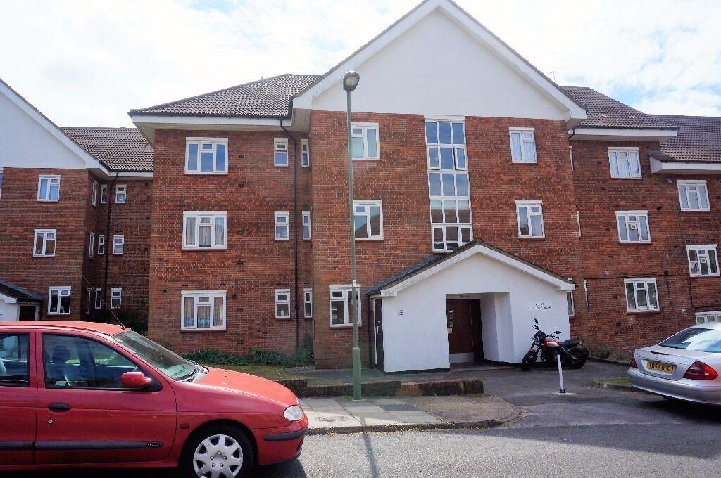 Three bedroom Flat, East Finchley, N2 - £1,408 per calendar month