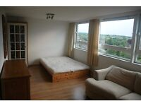A Bright Studio Apartment 5mins walk to Sutton Station &Town Centre in leafy South Sutton £850pcm ex