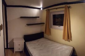 two double rooms to rent in houseshare :)