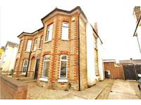 5 bedroom house in Charminster, BH8