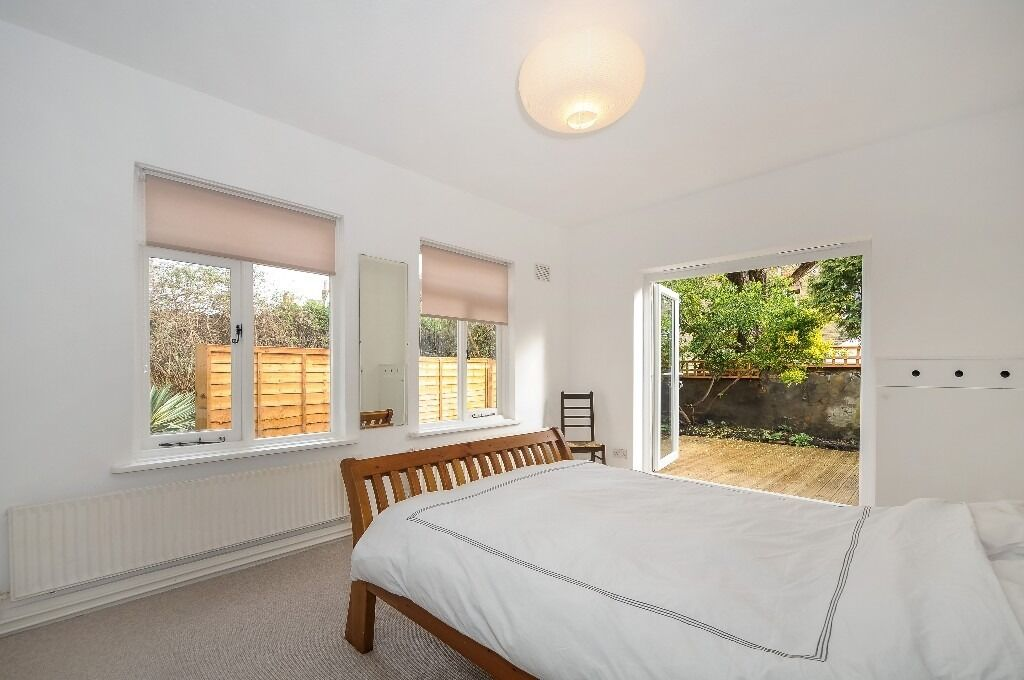 One Bedroom Conversion Flat With Private Rear Garden on Foulser Road, SW17, £1400 Per Month