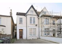 Situated minutes from Bounds Green station is this well appointed two bedroom flat to let.