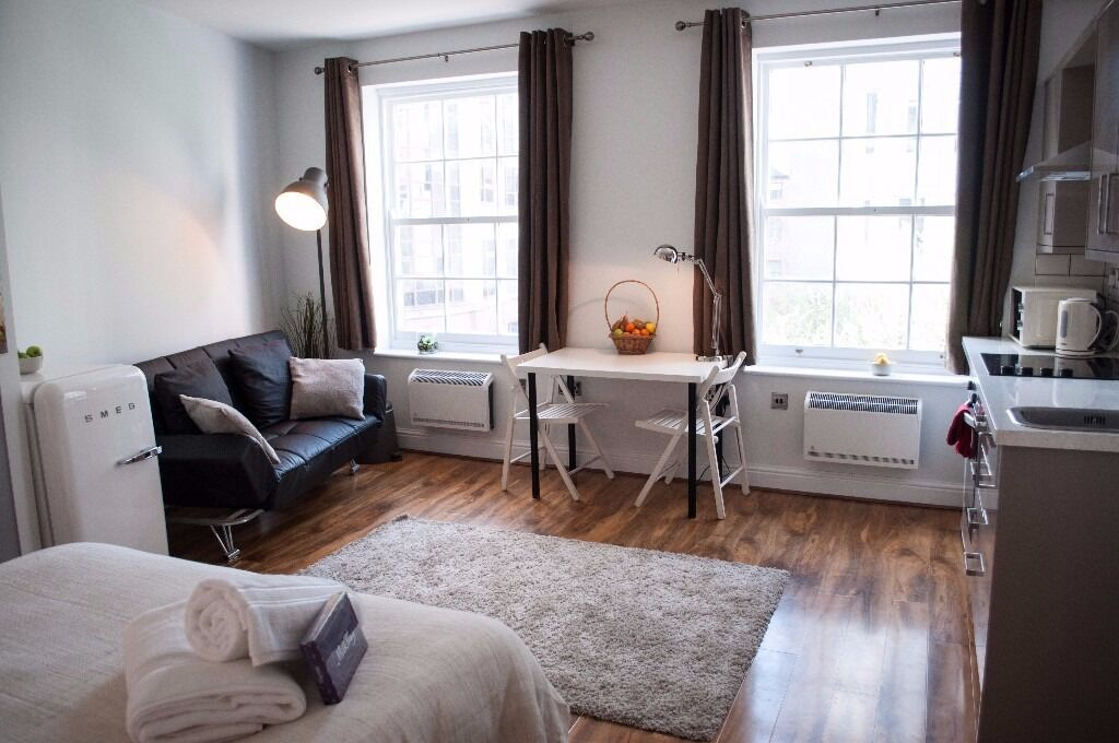 Studio Apartment Manchester piccadilly gardens brand new studio apartment -serviced short term