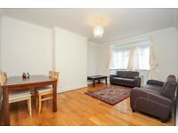 THREE DOUBLE BEDROOM GROUND FLOOR FLAT ON MOUNT AVENUE WITH PARKING & COMMUNAL GARDENS £2100 PCM