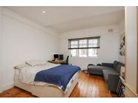 A 3rd floor purpose built 2 bed apartment in excellent condition throughout, Ranelagh Gardens, SW6