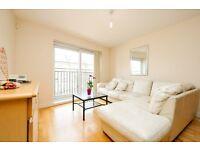 Beautifully presented 3 bedroom property on Defoe Road N16!!