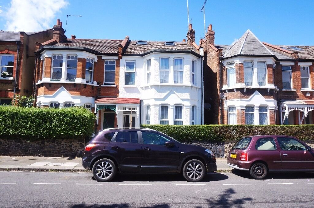 One double bedroom flat, East Finchley, N2 - £1,300.00 pcm ***All bills included***