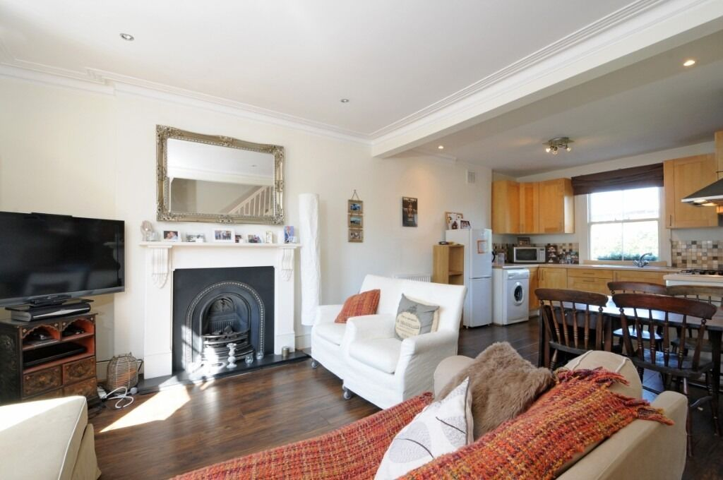 A spacious two bedroom maisonette located moments from Barons Court Tube, Margravine Gardens W6