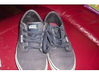 "SIZE 4.5 PAIR BOYS ""VANS"" NAVY LACE UP PUMPS IN GOOD CONDITION"