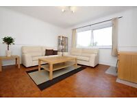 ONE BEDROOM FLAT WITH COMMUNAL GARDENS ON PERIVALE GRANGE A SHORT WALK TO PERIVALE TUBE £1250 PCM