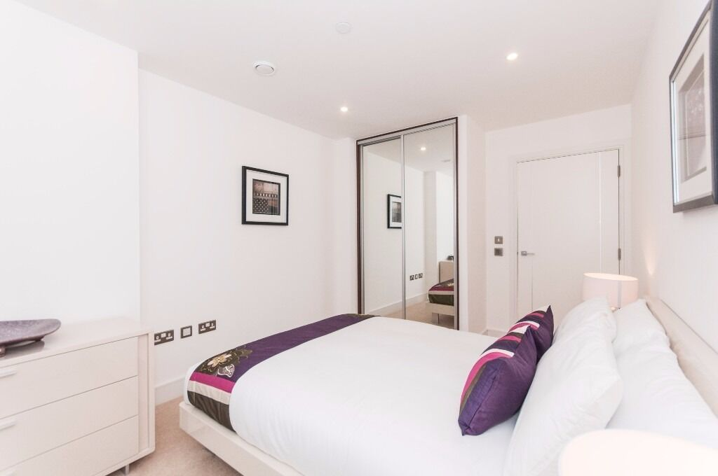 @ ALTITUDE POINT - A STUNNING TWO BED TWO BATH IN HEART OF THE CITY - CLOSE TO STATION !!