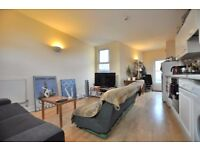 Brilliantly located 3 bedroom flat in Old St with private roof terrace EC1
