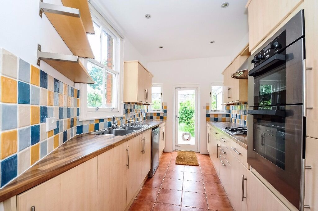 *** Stunning five bedroom period house to rent, Warner Road, N8 ***