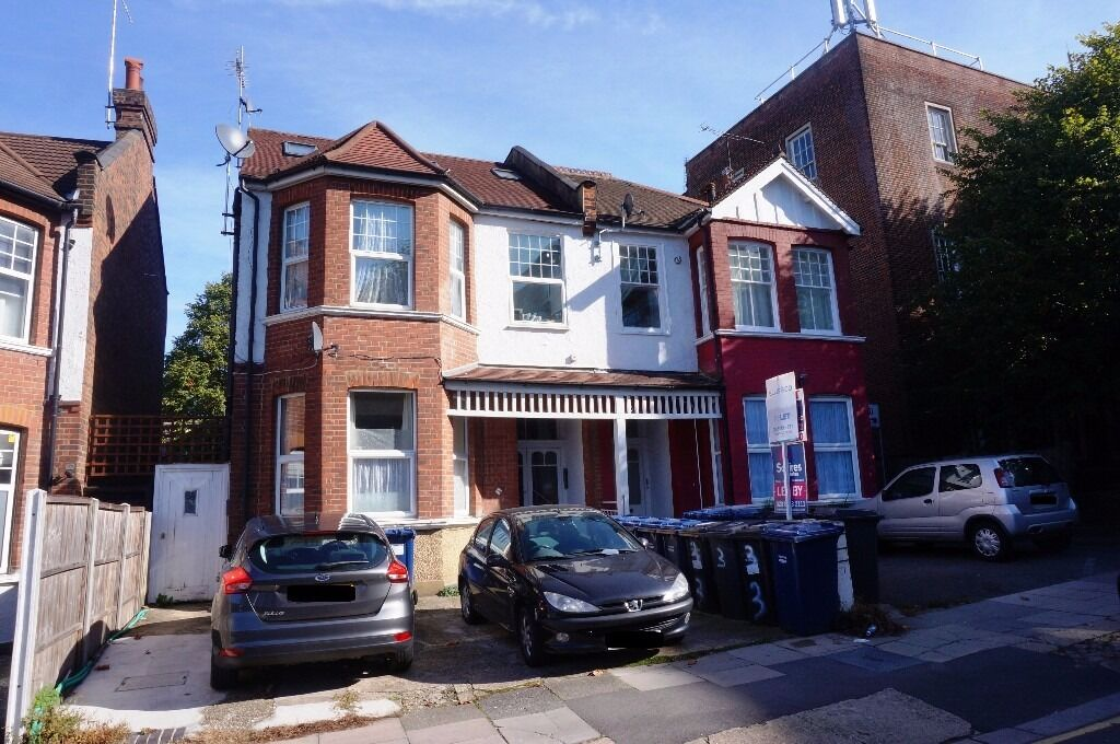Studio to let, Finchley Central, N3 - £925.00 pcm ***Water Bill and Hot Water included***