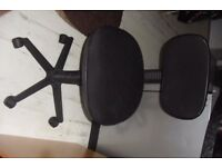 BLACK MATERIAL OFFICE CHAIR (NO ARMS)