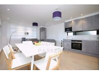 SUPER 3 BED 2 BATH APMT- IDEAL FOR 3 STUDENTS/PROFESSIONALS SHARERS- GREAT LOCATION- PRIVATE BALCONY