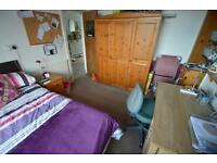 5 bedroom house in Laura Street , Treforest ,