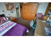 5 bedroom house in Laura Street , Treforest ,