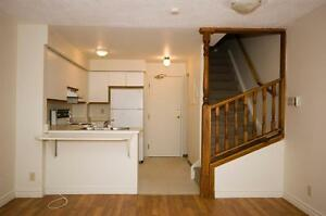 2 Bedroom Condo Townhomes Walkout Upper Decks! Kitchener / Waterloo Kitchener Area image 3