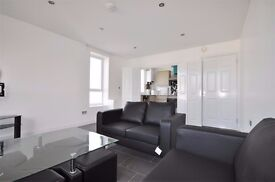 2 Large bedroom flat to rent in E1