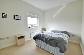 ***LOVELY 2 BED APARTMENT IN ISLEWORTH, OSP, 2 BED 2 BATH, NEW TO THE MARKET, CALL NOW TO VIEW***