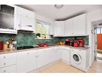 **FLEETWOOD ROAD, KT1 - A STUNNING 3 BED HOUSE WITH DRIVEWAY & WALKING DISTANCE TO NORBITON STATION