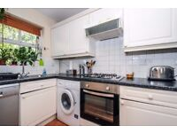 Riverdale Drive - Two bedroom twonhouse to rent in Earlsfield