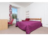 Spacious Double Room overlooking Garden in Student Flatshare [HMO Inspected]
