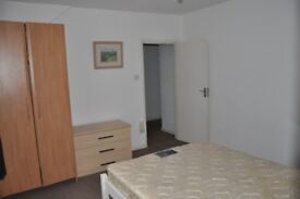 Lovely Sunny Room near Town and the Uni - All bills included