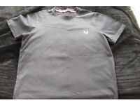 BOYS SIZE SMALL GENUINE FRED PERRY SHORT SLEEVE T-SHIRT